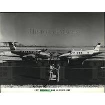 1979 Press Photo First Beechcraft Air comes home, Jim Weber and Jan Mann