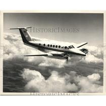1987 Press Photo Airplane Beechcraft Super King Air 300 - spa33081