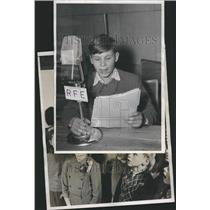1957 Press Photo Young exiles on the air Childern radio