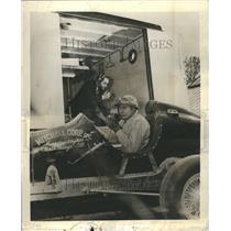 1948 Press Photo H. Walter Mitchell Ray Wilson Radio Te