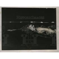 1936 Press Photo Ralph Flanagan wins 1500 meter swim at Olympic tryouts, RI