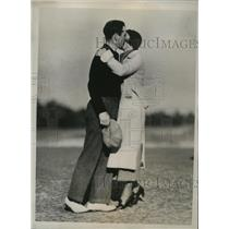 1935 Press Photo Richard Chapman and wife after he won Pinehurst golf tournament