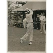 1936 Press Photo Golfer Frank Walsh drives from first tee at National Open