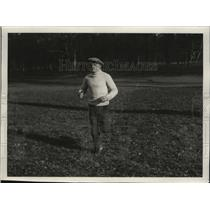 1929 Press Photo Boxer Emile Pladner runs outside while training for fight