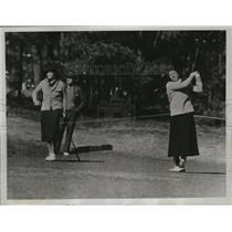 1934 Press Photo Golfer Deborah Verry drives from tee at Pinehurst, NC
