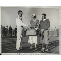 1933 Press Photo Golfer Virginia Van Wie competes in men's open golf tournament