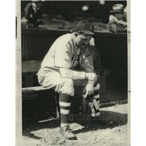 1930 Press Photo Joe Shante sitting on the baseball bench. - cvb76702