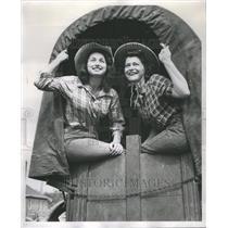 1951 Press Photo Oak Lawn Frontier Days Two Women - RRR54427