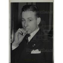 1940 Press Photo Pilot Marvin Griggs Pilot Grounded By Law - nef15357