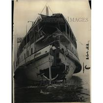 """1922 Press Photo """"Grand Republic"""" Boat Damaged in Crash with Erie RR Ferry Boat"""