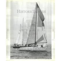 1981 Press Photo Breezing Up
