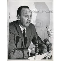 1964 Press Photo Milwaukee Braves public relations director Ernie Johnson.