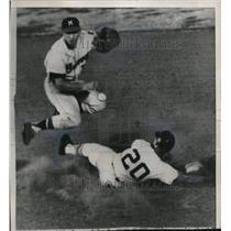 1963 Press Photo Dennis Menke of the Braves and Carl Warkick of Houston.