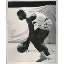 1965 Press Photo University of Michigan basketball star Cazzie Russell