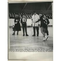 1959 Press Photo Womens figure skating champion Carol Heiss practices on ice