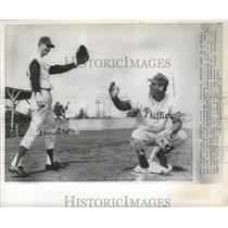 1963 Press Photo Don Hoak acquired from Pittsburgh with Don Demeter .