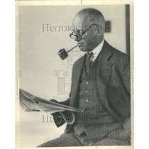 Man Newspaper Reading Pipe