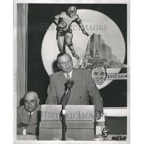 1953 Press Photo John J. Gorman Auctioneer Announcer