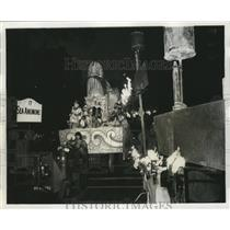 1974 Press Photo Parade Float of Carnival Maskers at Mardi Gras in New Orleans