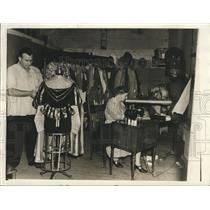 1941 Press Photo Carnival costume designer Murrey Himlert. - noca00404