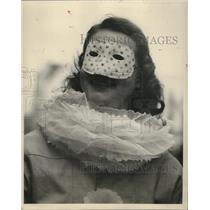 1948 Press Photo Carnival Maskers - noca00876