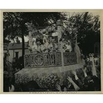1949 Press Photo Carnival Parade- Krewe of Alla 1949 Parade. - noca01474