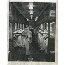 1946 Press Photo New Rail Way Station Fitting Aluminium
