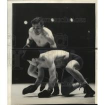 1937 Press Photo Lou Ambersm lightweight champion of the world dropped his man.