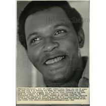 1971 Press Photo Vida Blue, who won 24 games and lost only 8 helping Oakland A's