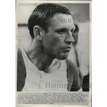 1968 Press Photo Cincinnati Reds manager Dave Bristol going into hospital