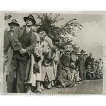 1937 Press Photo gallery watching driving contest at start of Western Open