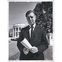 1962 Press Photo Newscaster