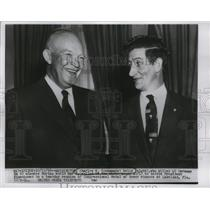 1956 Press Photo Charles E. Kelly with President Eisenhower at the White House