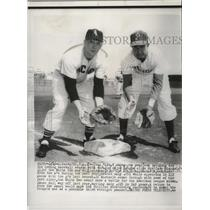 1954 Press Photo Cass Michaels and Willie Jones training for major leagues.