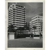 1956 Press Photo Modern hotels and apartments at Miami Beach, Florida.