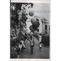 1955 Press Photo Vietnamese Children in Saigon - nef25042