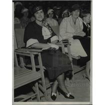 1933 Press Photo Fay Settle, Mrs. Jean Piccard at Soldier's Field, Chicago
