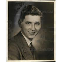 1937 Press Photo Claude Kirchner, the newest member of the WTMJ announcing staff