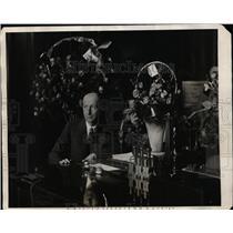 1927 Press Photo Police Commisioner Joseph Warren @ New York Police Headquarters