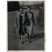 "1931 Press Photo Mrs Christy Flanagan & Mrs Edgar ""Rip"" Miller - nef32758"