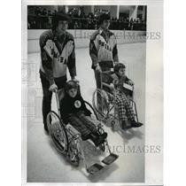 1974 Press Photo Phil Wittliff and Jim Cordes Escort James Boser and Eric Janke