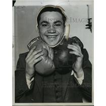 1934 Press Photo Boxer Barney Ross training for bout vs Jimmy McLarnin