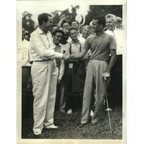 1938 Press Photo Ralph Guldahl congratulates Dick Metz at PGA Championship
