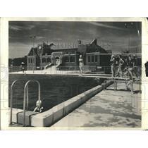 1939 Press Photo Swimming pool Arlington Ground - RRR12741