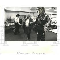 1991 Press Photo Wayne Jackson Cherokee Tuscarora India - RRR83187