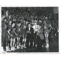 1964 Press Photo Sheriff Youth Foundation Basketball