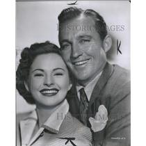 1950 Press Photo Coleen Gray & Bing Crosby- close up