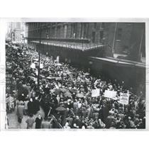 1956 Press Photo New York Rally Macy's Strike