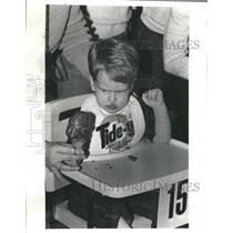 1985 Press Photo Tide-y Toddler Contest Ford City Mall