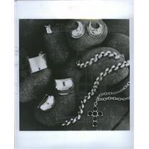 1994 Press Photo Robert Lee Morris Collection Jewelry